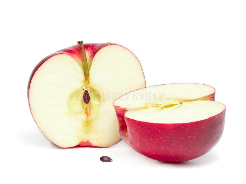 Metà due della mela rossa. fotografia stock libera da diritti
