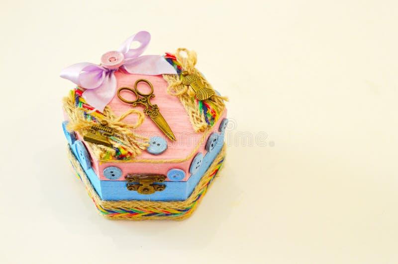 Met de hand gemaakte kist voor juwelen royalty-vrije stock afbeelding