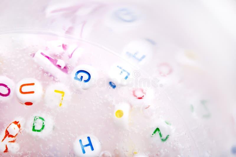 Met de hand gemaakte slijm dichte omhooggaand Speelgoed voor illustratie children Zacht slijm royalty-vrije stock afbeeldingen