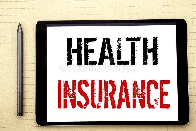 Met de hand geschreven tekst die Ziektekostenverzekering tonen Bedrijfsconcept die voor Medische die Gezondheidszorg schrijven op stock fotografie