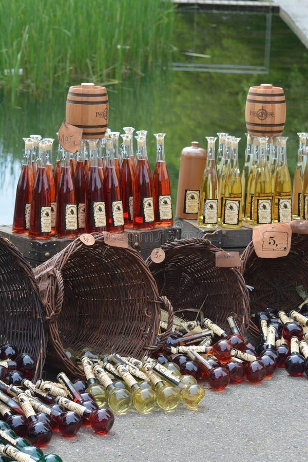 Met/Honig-Wein an einem mittelalterlichen Markt lizenzfreies stockbild