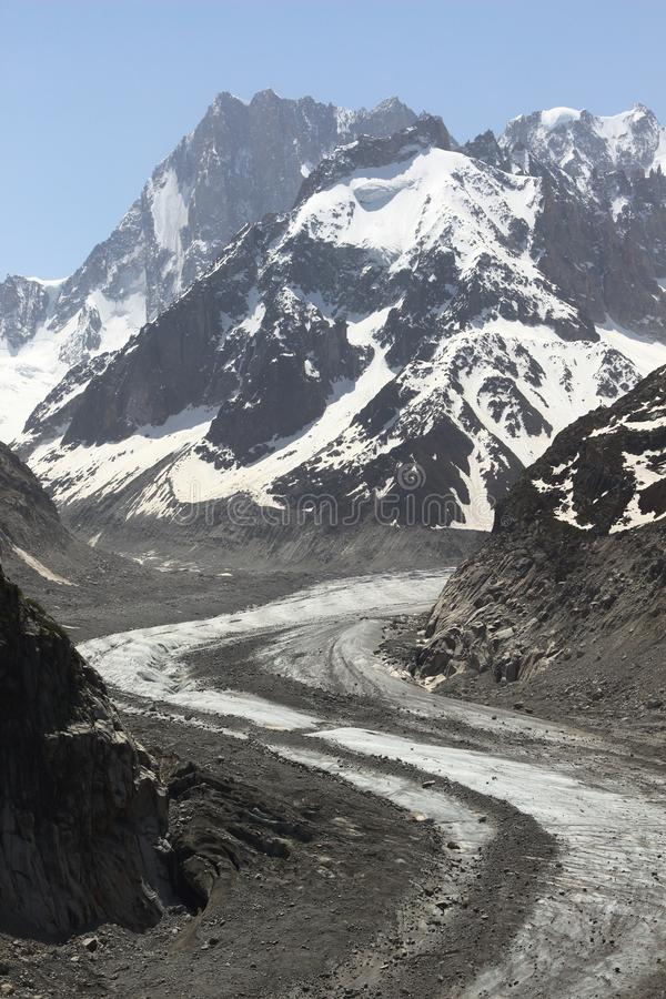 Met sneeuw en ijs behandeld Mont Blanc-massief, Frankrijk stock fotografie