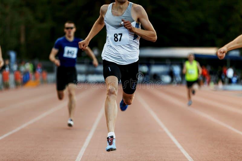 meta zwycięzcy mężczyzna biegacz fotografia stock