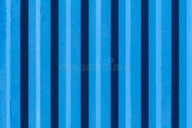Metaal gegolfte oppervlakte van blauwe kleurentextuur, achtergrond stock foto