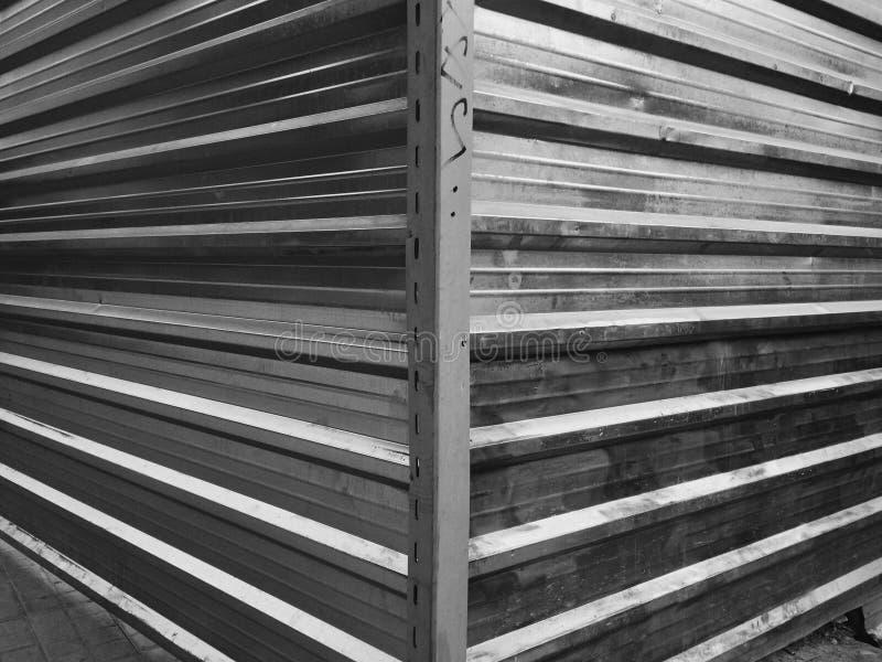 Metaal muur stock afbeelding