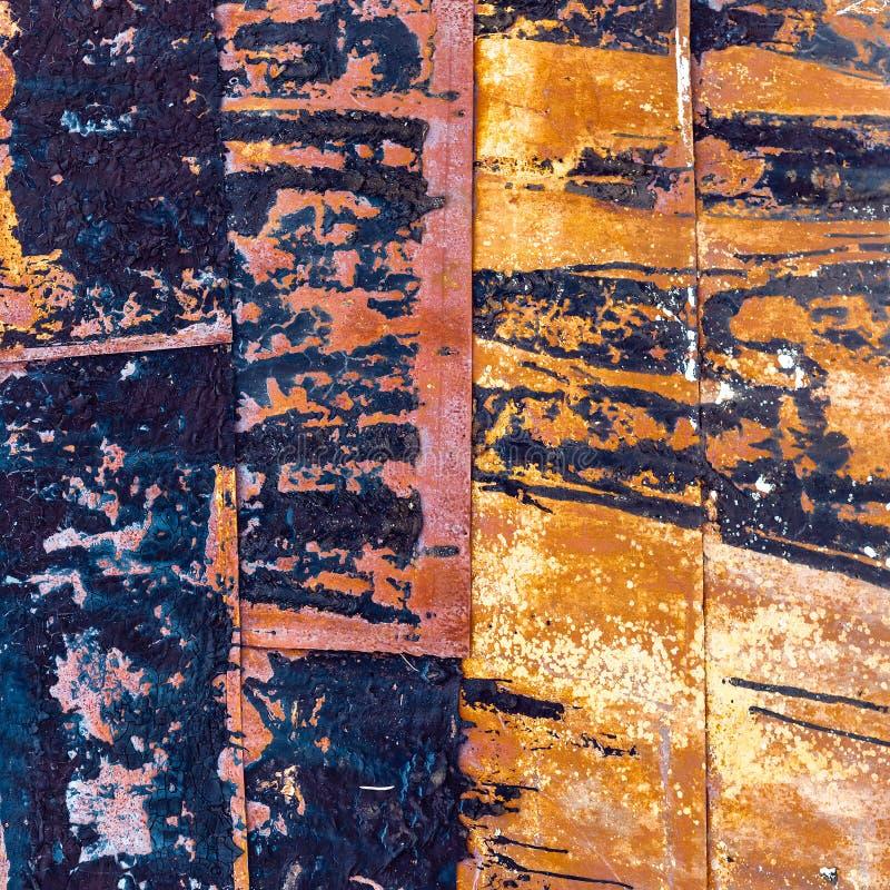 Metaalbladen met schil en gebrande verf stock fotografie