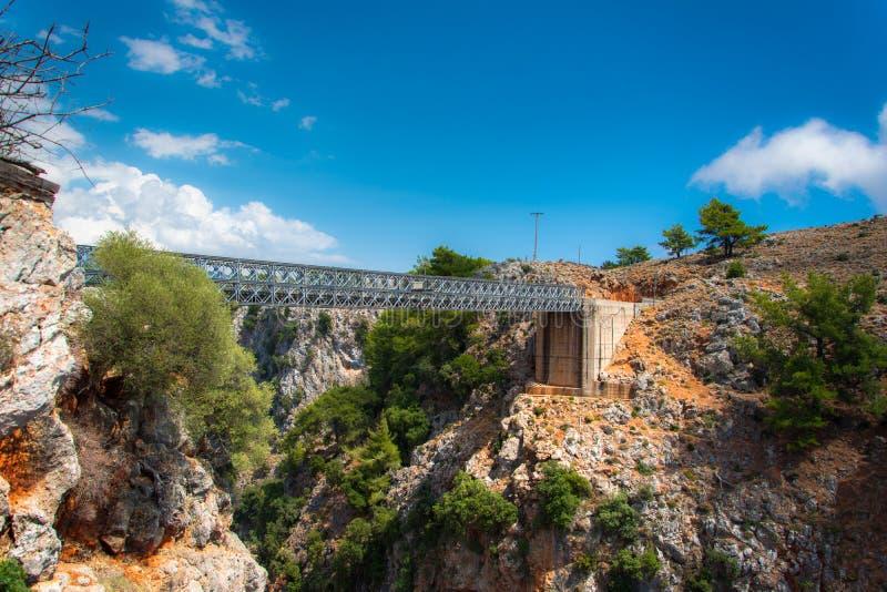 Metaalbrug over de Aradena-Canion, Chania, Kreta royalty-vrije stock afbeelding