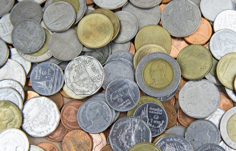 Metaalgeld, diverse muntstukken, veel geld, muntstukken stock foto