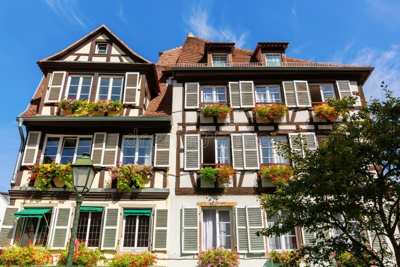 A metade pitoresca suportou a casa na cidade velha de Strasbourg, França imagens de stock royalty free