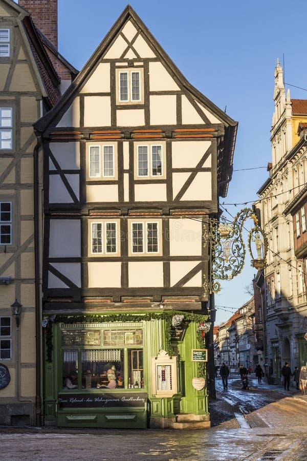 A metade velha cênico suportou casas em Quedlingburg fotografia de stock