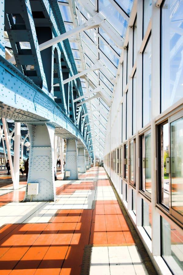 Metal construções na ponte fotografia de stock royalty free