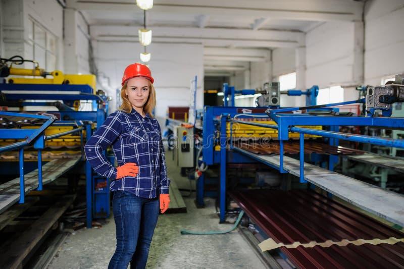Metal dachówkowa rękodzielnicza fabryka fotografia stock