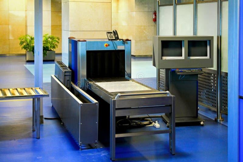 Metal detector dell'aeroporto immagine stock libera da diritti