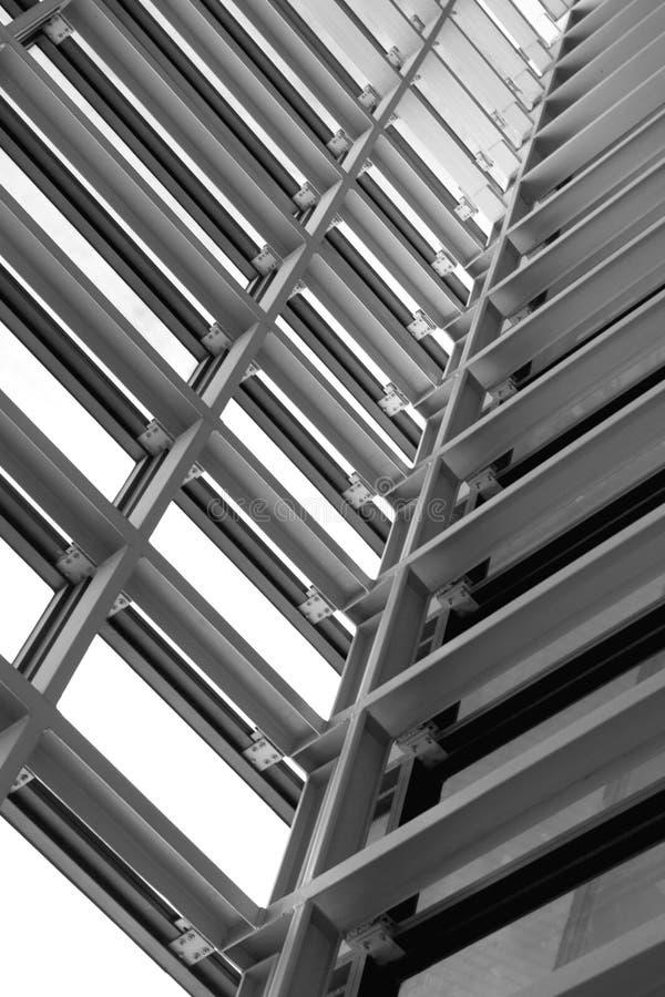 Metal el diseño de un interior en un edificio moderno, construcción fotografía de archivo