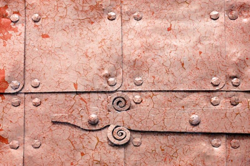 Metal el fondo industrial oxidado anaranjado claro con la pintura de la peladura fotografía de archivo libre de regalías
