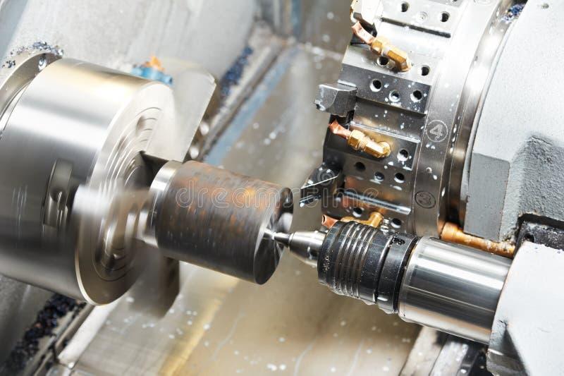 Metal el proceso que trabaja a máquina en blanco imágenes de archivo libres de regalías
