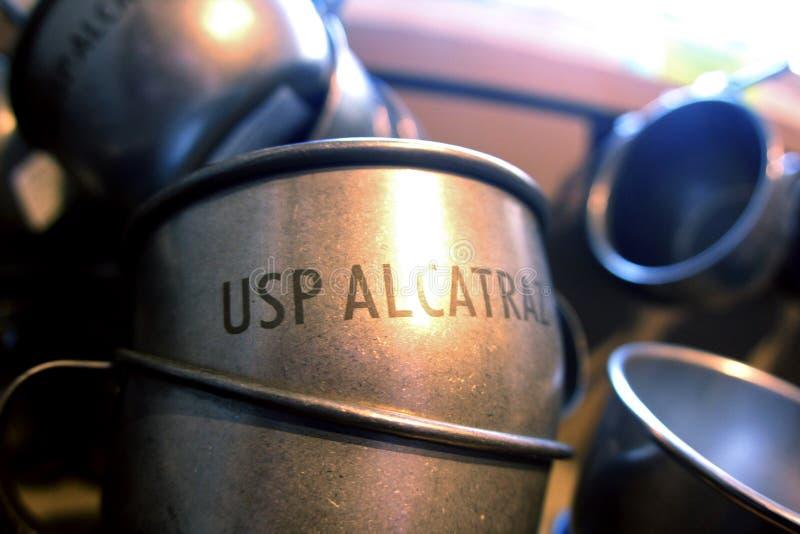 Metal filiżanki od Alcatraz więzienia w San Francisco, Kalifornia obrazy stock