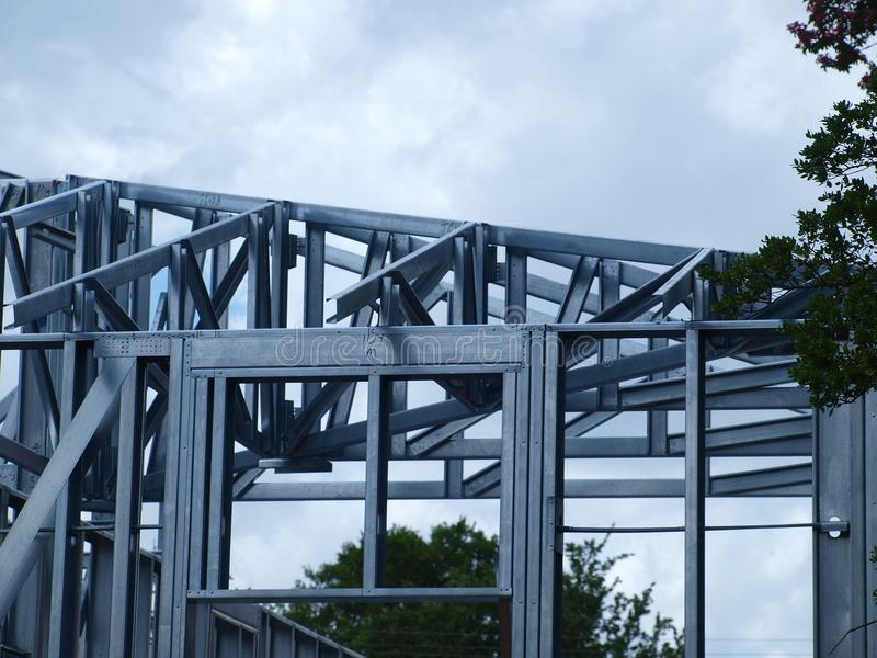 Tolle Framing Für Ein Garagentor Zeitgenössisch - Badspiegel Rahmen ...