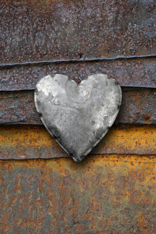 Free Metal Heart On Rusty Background Stock Photo - 29129210