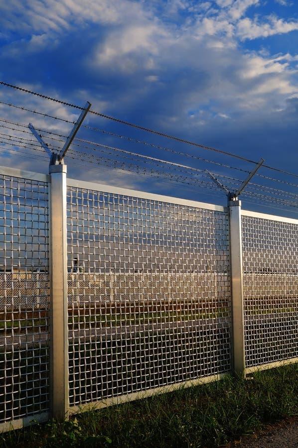 Metal la frontière de sécurité photos libres de droits
