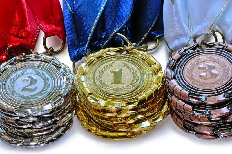 Metal las medallas para el primer segundo y tercer lugar imagen de archivo libre de regalías