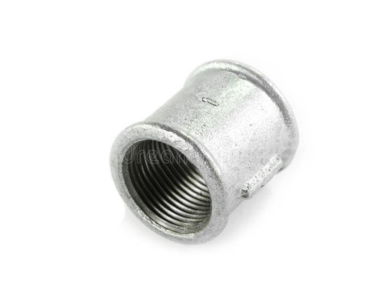 Metal les ferrures de coude pour des tuyaux, fond blanc d'isolement Outils et matériaux pour les travaux sanitaires photos stock