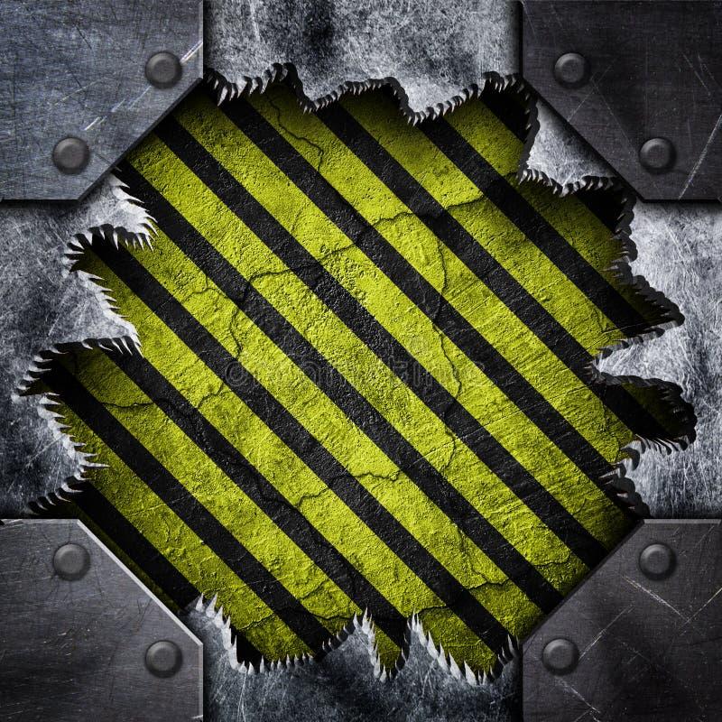 Metal powierzchnia z dziura wzoru żelaza uderzającym pięścią prześcieradłem obrazy royalty free