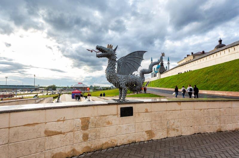 Metal rzeźba oskrzydlony wąż Zilant zdjęcia royalty free