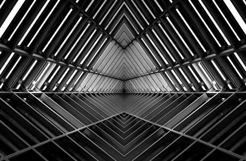 Metal struktura jednakowa statku kosmicznego wnętrze w czarny i biały fotografia royalty free