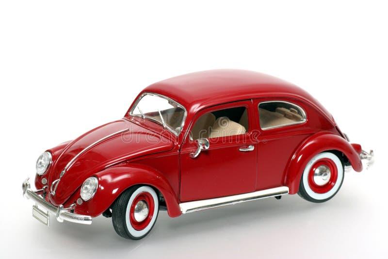 Metal VW Beatle 1955 del modelo del juguete de la escala a vieja imagen de archivo libre de regalías
