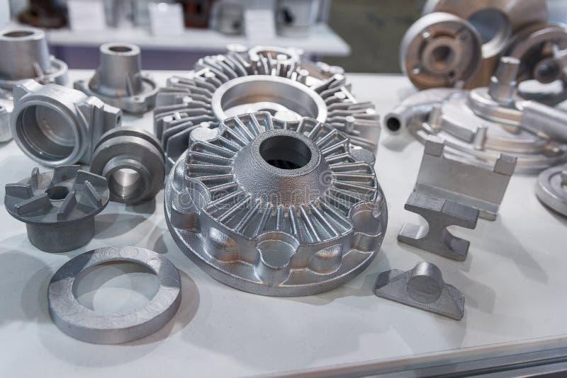 Metali produkty robić rzuconych technik zbliżeniem zdjęcie stock