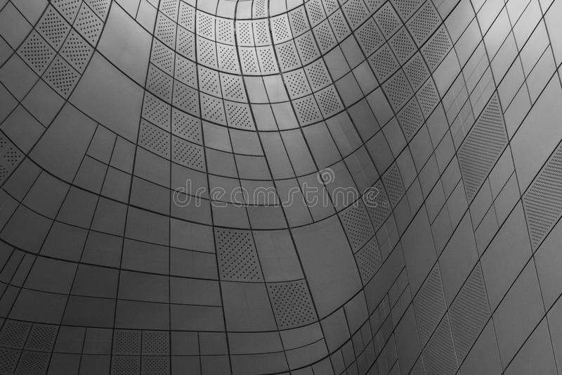 Metall gebogene Fassadenbeschaffenheit stockfotos