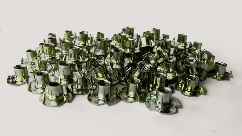 Metall silver - metall, zink, skruv, klippte ut royaltyfria bilder