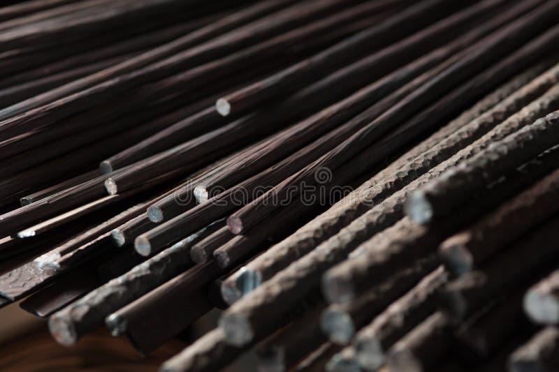 Metallarmatur för byggnaden av hus fotografering för bildbyråer