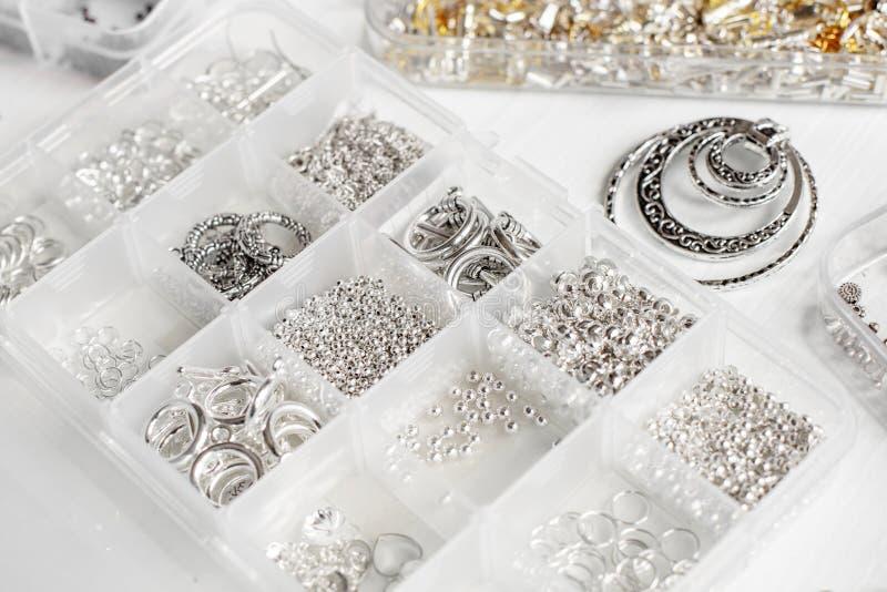 Metalle für Bijoux stockbild