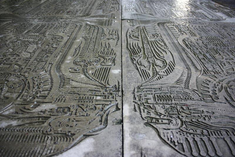 Metalletsning vid H r Giger som visar en främmande tema inspirerad design arkivbilder
