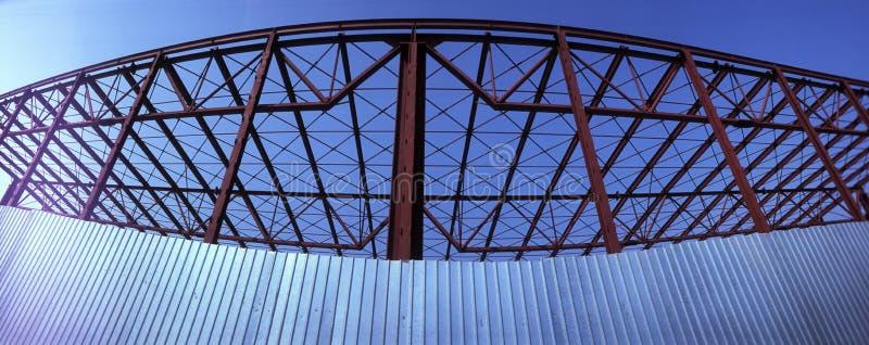 Metallfeld des modernen Gebäudes lizenzfreies stockfoto