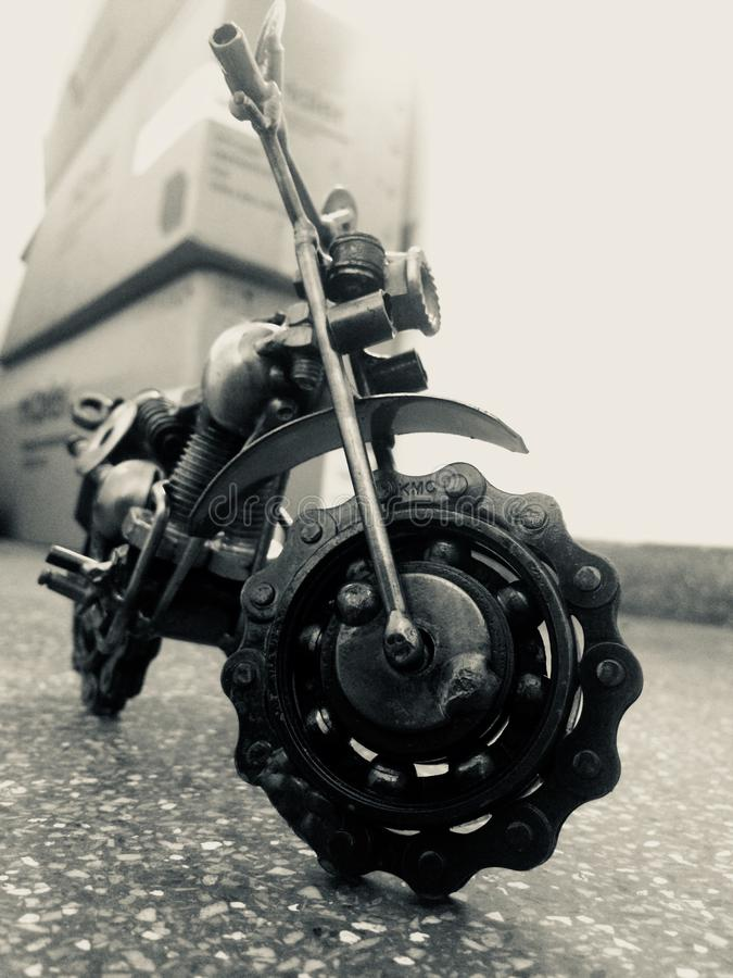 Metallgrafik eines Fahrrades lizenzfreie stockfotografie