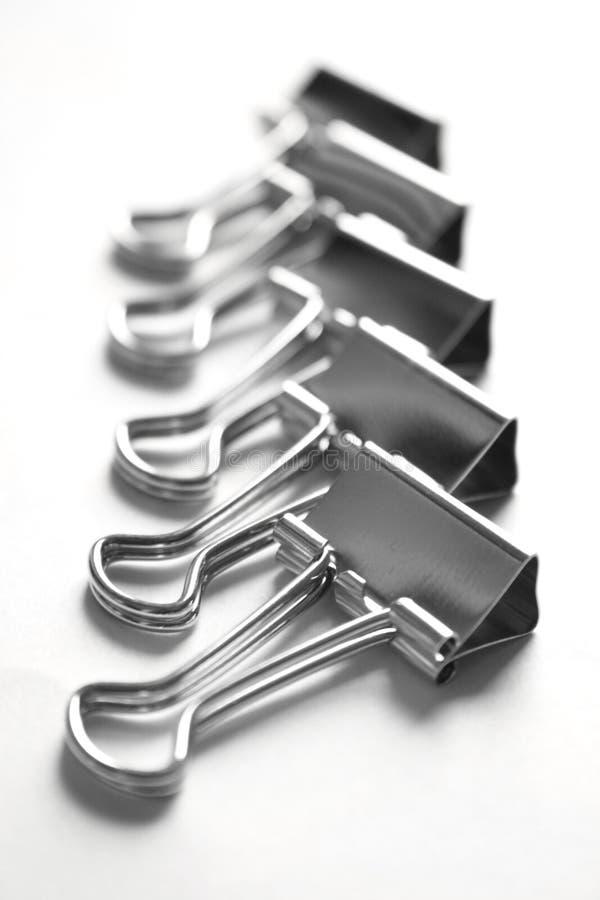 Metallische Papierklammern lizenzfreies stockbild