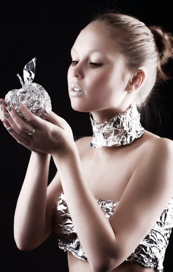 metallisk robotkvinna för äpple royaltyfri bild