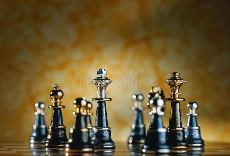 metalliska stycken för schack royaltyfria foton