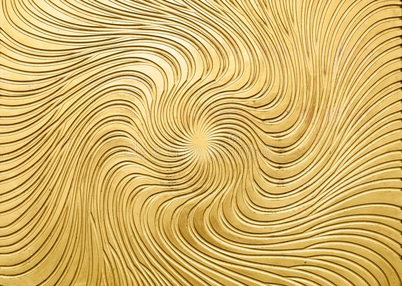 Metalllättnad av den guld- solstrålen arkivfoto