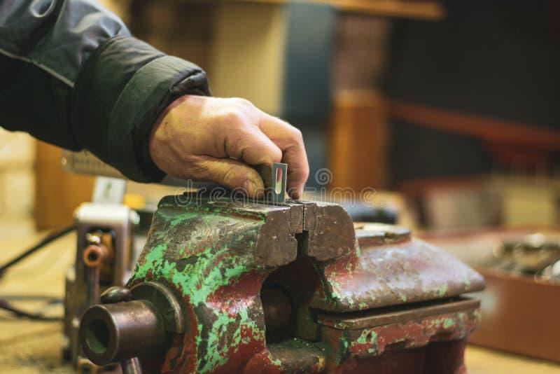 Metalllaster- und -handwerksarbeitskraft lizenzfreies stockfoto