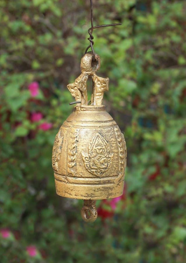 Metallmässingsklocka royaltyfria bilder