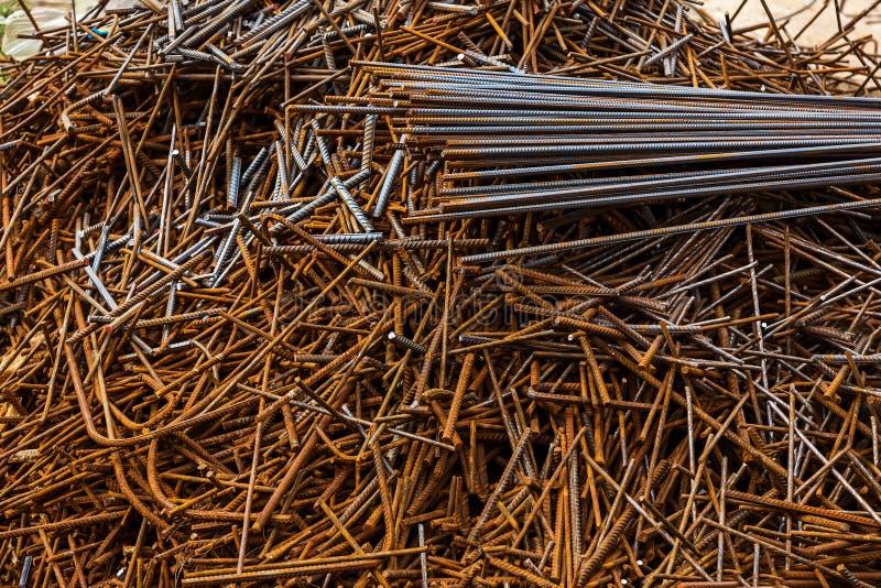 Metallprodukter för monolitiskt bostadsbyggande royaltyfri foto
