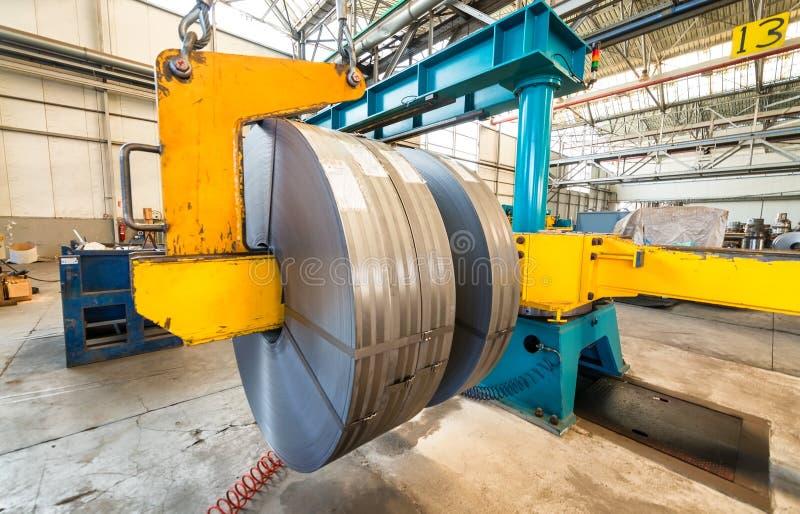 Metallskäraremaskin Affär och industriellt begrepp royaltyfri bild