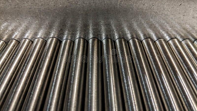Metallstange auf Metallplatte stock abbildung
