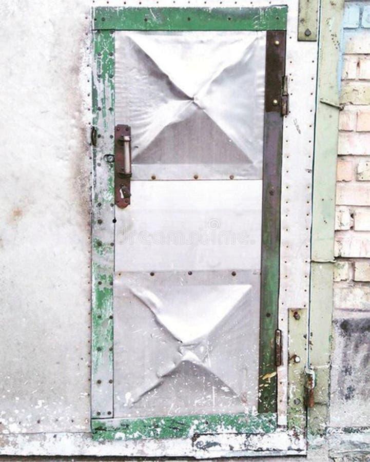 Metalltüren lizenzfreie stockfotografie
