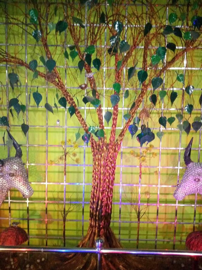 Metallträd arkivfoto