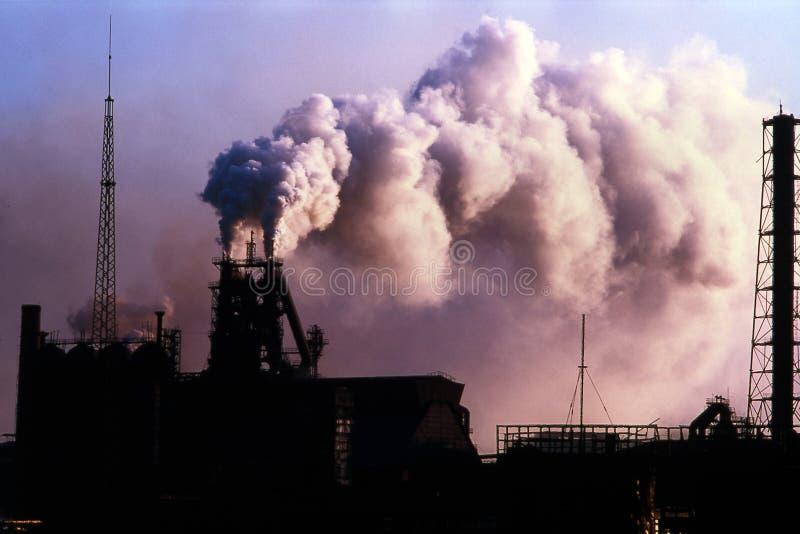 metallurgyväxt royaltyfri foto